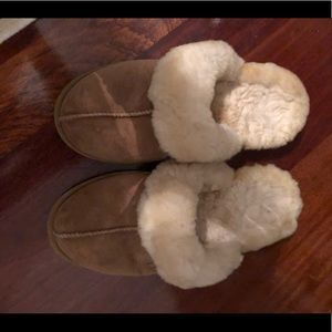 LL BEAN slippers. Size 8. Never worn outside.